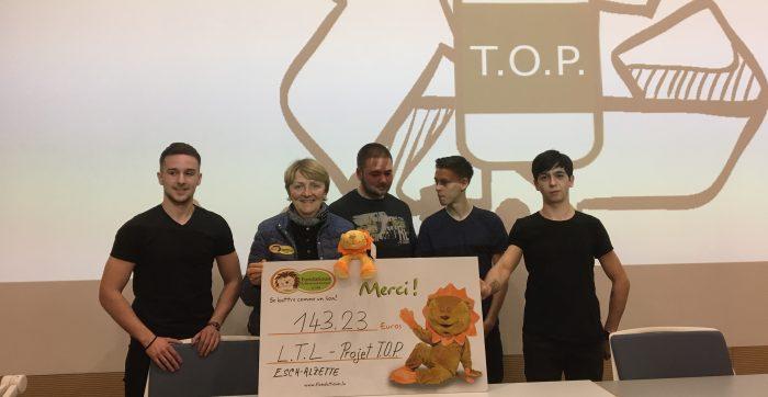 Projet T.O.P. vu 4 Schüler aus der Klass T3CM2 vum L.T.L. ënnerstëtzen d'Fondatioun Kriibskrank Kanner